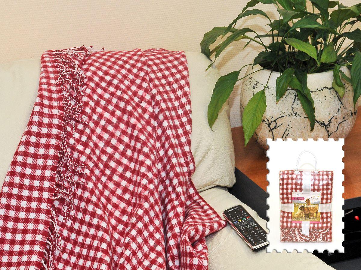 """Плед Cleo Каминный, цвет: красный, 130 х 150 см130/006-alКоллекция пледов Cleo Альпака – стильный дизайн и согревающая нега прикосновения! Пледы сделаны из инновационного материала - ПолиАкрила. ПолиАкрил- это уникальный инновационный материал, мягкий и легкий, по внешнему виду и на ощупь напоминает шерсть Альпака. Часто его называют """"искусственной шерстью"""". ПолиАкрил - хорошо сохраняет тепло, износоустойчив, не теряет свой формы и цвета долгое время. Коллекция пледов Cleo Альпака – стильные дизайны, невероятно теплые, компактные пледы, составят вам компанию в путешествии, дома и на даче в холодные вечера, вам захочется достать этот плед и укутаться в нем, чтобы ощутить нежность его прикосновения. Пледы CLEO Альпака станут вашим лучшими спутниками, и именно они будут хранить тепло и самые положительные эмоции!"""