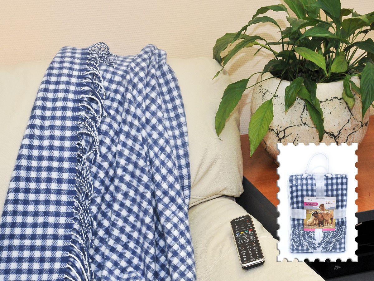"""Плед Cleo Каминный, цвет: синий, 140 х 180 см130/004-alКоллекция пледов Cleo Альпака – стильный дизайн и согревающая нега прикосновения! Пледы сделаны из инновационного материала - ПолиАкрила. ПолиАкрил- это уникальный инновационный материал, мягкий и легкий, по внешнему виду и на ощупь напоминает шерсть Альпака. Часто его называют """"искусственной шерстью"""". ПолиАкрил - хорошо сохраняет тепло, износоустойчив, не теряет свой формы и цвета долгое время. Коллекция пледов Cleo Альпака – стильные дизайны, невероятно теплые, компактные пледы, составят вам компанию в путешествии, дома и на даче в холодные вечера, вам захочется достать этот плед и укутаться в нем, чтобы ощутить нежность его прикосновения. Пледы CLEO Альпака станут вашим лучшими спутниками, и именно они будут хранить тепло и самые положительные эмоции!"""