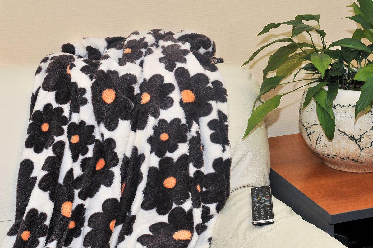 Плед Cleo Цветочки, цвет: черный, белый, 180 х 200 см182/002-pbПлед Бамбук (микрофибра) Коллекция пледов Cleo Бамбук– Тепло и нежность для вас! Пледы сделаны из инновационного материала – Микрофибра, тактильно напоминает Бамбук. Микрофибра (микроволокно)- прорыв в синтетической промышленности, волокна представляют собой очень тонкие волокна, тоньше человеческого волоса. Благодаря свой структуре, микрофибра имеет ряд преимуществ: -отличные впитывающие свойства и способность пропускать воздух, под пледами будет комфортно и зимой и летом; -структура микроволокна позволяет окрашивать в различные цвета, т.к. при дальнейшем уходе краски не выцветают и не линяют, не смотря на простоту в уходе; -пледами можно укрываться и не бояться, что на вашей одежде останутся следы ворса; -пледы прослужат невероятно долго. Коллекция Пледов CLEO Бамбук-невероятное разнообразие дизайнов, нежность и комфорт вашей семьи в любое время года!