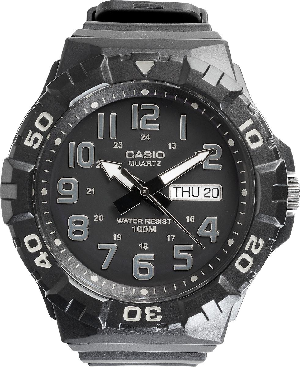Часы наручные мужские Casio Collection, цвет: черный, серебристый. MRW-210H-1AMRW-210H-1AСтильные спортивные мужские часы Casio выполнены из пластика в стилистике дайверских часов. Часы оснащены кварцевым механизмом с тремя стрелками, поворотным безелем и устойчивым к царапинам пластиковым стеклом, степенью влагозащиты 10 ATM. На стрелки нанесен специальный светонакопительный состав с ярким послесвечением даже после кратковременного воздействия света. Изделие дополнено резиновым ремешком, оснащенным удобной классической застежкой, позволяющей максимально комфортно и быстро снимать и одевать часы. Часы поставляются в фирменной упаковке. Элегантный дизайн и современный стиль часов Casio из коллекции Classic раскроют непревзойденный вкус их обладателя.