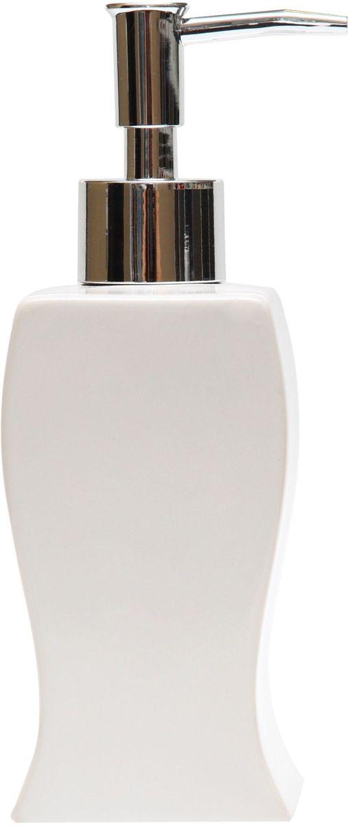 Диспенсер для мыла Proffi Home Кубикс, 250 мл. PH6499PH6499Диспенсер для жидкого мыла - незаменимый аксессуар для тех, кто ценит чистоту своей раковины и экономный расход мыла. Вы можете легко переставлять его при необходимости. Этот диспенсер выполнен из керамики. Керамика выгодно отличается от других материалов в первую очередь натуральностью и благородным внешним видом. Этот материал устойчив к перепадам температур, повышенной влажности и бытовым химическим средствам. Благодаря стильному и современному дизайну диспенсер станет украшением Вашей ванной комнаты. Материал: керамика. Цвет: белый. Страна-изготовитель: Китай. Размеры: 6.4X6.3X16.5 см