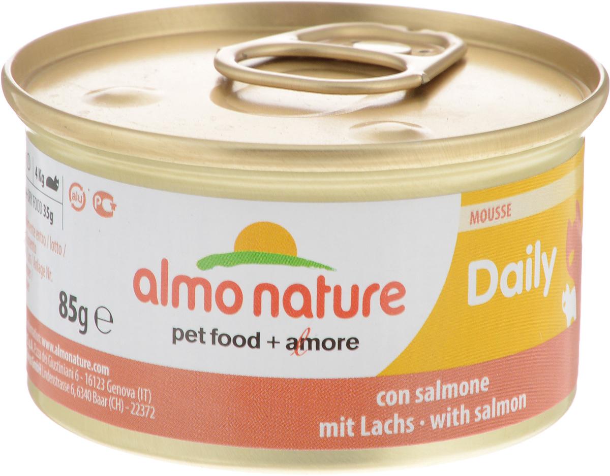 Консервы для кошек Almo Nature Daily Menu, мусс с лососем, 85 г20349Приятный сюрприз для вашей кошки - нежное мясо, превращенное в деликатный мусс с использованием ингредиентов высочайшего качества. Любая привереда замурлыкает от удовольствия, если у нее в миске окажется такой деликатес как консервы Almo Nature Daily Menu. Особый метод приготовления консервированного корма Almo Nature сохраняет привлекательный аромат и свежесть продукта, ведь мясо приготавливается в собственном бульоне и только затем превращается в мусс. Минералы, также присутствующие в составе, особенно медь, участвуют в формировании костной и тканевой системе, выполняют функции антиоксиданта. Состав: мясо и его производные, рыба и ее производные (лосось 4%), минералы, экстракт растительных волокон. Добавки: витамин A 1110 IU/кг, витамин D3 140 IU/кг, витамин E 10 мг/кг, таурин 490 мг/кг, сульфат меди пентагидрат 4,4 мг/кг (Cu 1.1 мг/кг). Технологические добавки: камедь кассии 3000 мг/кг. Пищевая ценность:...