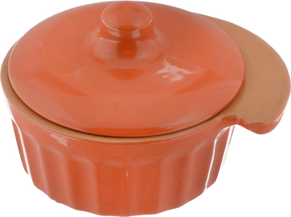 Кокотница Борисовская керамика Ностальгия, цвет: ярко-оранжевый, 200 млРАД14457898_ярко-оранжевыйКокотница Борисовская керамика Ностальгия выполнена из высококачественной глазурованной керамики. Изделие имеет граненые стенки, снабжено ручкой и крышкой. В такой кокотнице удобно порционно запекать пищу, например, жульен, мясо и овощи, рыбу. Может использоваться для подачи соусов и приправ. Подходит для использования в микроволновой печи и духовке. Размер (по верхнему краю): 12 х 10 см. Высота (без учета крышки): 4,5 см.