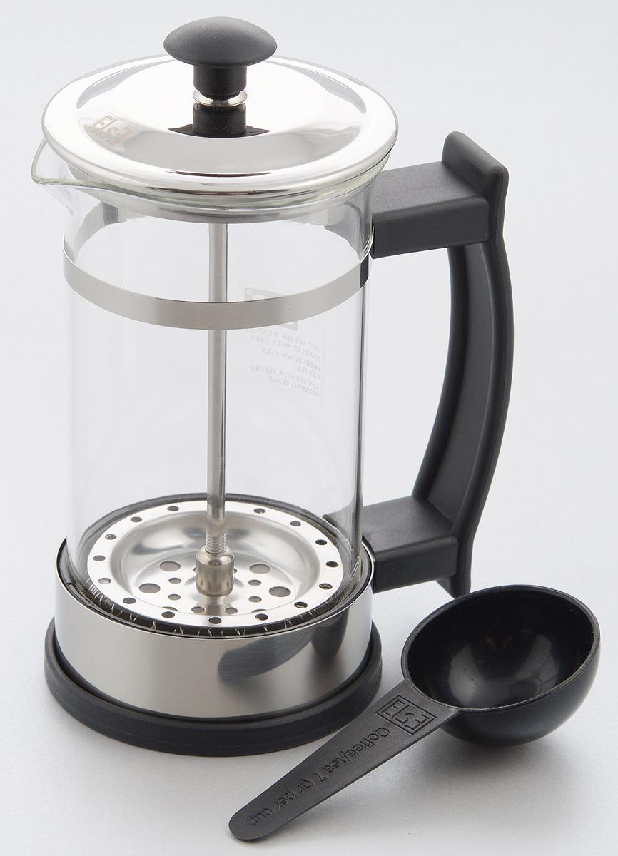 Френч-пресс Else Salvador, 350 млB620(350)Френч-пресс Else Salvador поможет приготовить вкусный ароматный чай или кофе. Им очень легко пользоваться: засыпьте внутрь заварку, залейте водой, накройте крышкой с поднятым поршнем, дайте настояться и затем медленно опустите поршень. Таким образом напиток заваривается без чаинок. Колба изготовлена из жаропрочного стекла, устойчивого к царапинам и термошоку. Колба выполнена по технологии антикапля: верхний край и носик имеют специальный усиленный ободок, который препятствует скатыванию капель по наружной стенке чайника. Капля не падает с носика чайника, а втягивается обратно. Корпус френч-пресса выполнен из нержавеющей стали с хромированным покрытием. Точечная спайка металлических частей производится по технологии invisible, которая делает места соединения деталей незаметными. Полировка с использованием специальных паст на основе натуральных компонентов придает изделию ослепительный блеск. Идеально отшлифованные поверхности и элементы приятны на ощупь,...