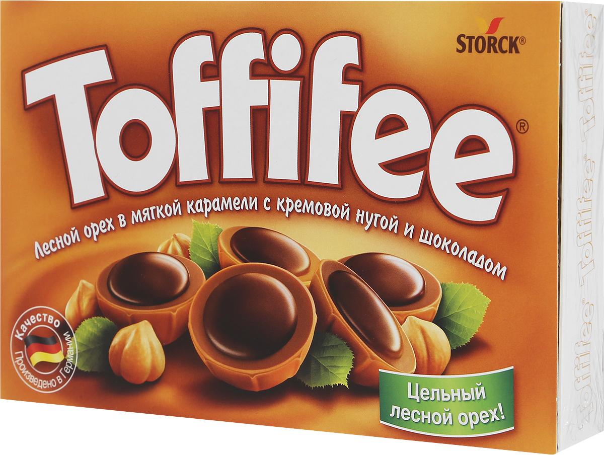 Toffife Конфеты орешки в карамели, 125 г294903Секрет конфет Toffifee в интересном сочетании вкуснейших ингредиентов: отборный цельный лесной орех в чашечке из мягкой карамели, наполненной нежной кремовой нугой и покрытой восхитительным шоколадом! Toffifee - это невероятно вкусные конфеты, которые понравятся и взрослым, и детям! Уважаемые клиенты! Обращаем ваше внимание, что полный перечень состава продукта представлен на дополнительном изображении.