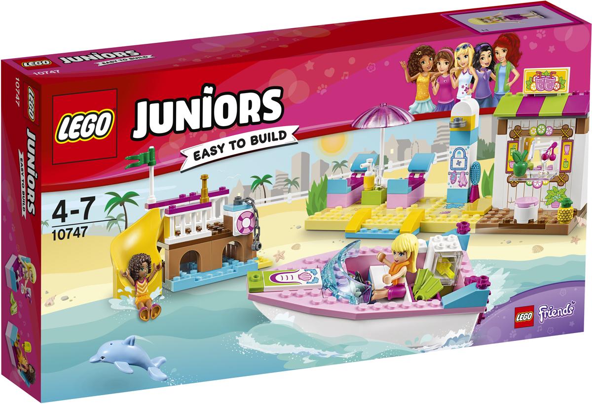 LEGO Juniors Конструктор День на пляже с Андреа и Стефани 1074710747Когда светит солнце, Стефани и Андреа не прочь повеселиться! Отправляйся на пляж вместе с подружками LEGO Friends, катайся на водной горке, выйди в море на быстроходном катере и поплавай в компании проплывающих мимо дельфинов. После такого активного отдыха все захотят пить, Можно вернуться на берег и взять смузи в киоске, а потом отдохнуть в шезлонге. Только не забудь нанести крем для загара!