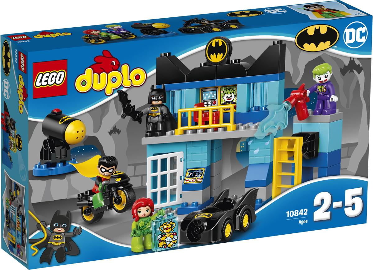 LEGO DUPLO Конструктор Бэтпещера 1084210842Юным фанатам Бэтмена™ понравится играть легендарными супергероями и суперзлодеями из этого яркого игрового набора от LEGO DUPLO. Вашему маленькому супергерою понравится кататься на Бэтмобиле™ и мотоцикле Бэтмена по Бэтпещере в поисках Джокера™ и Ядовитого плюща. Разыграйте ролевые сценки: захватите злодеев и отправьте их за решётку. В набор входит четыре фигурки LEGO DUPLO.