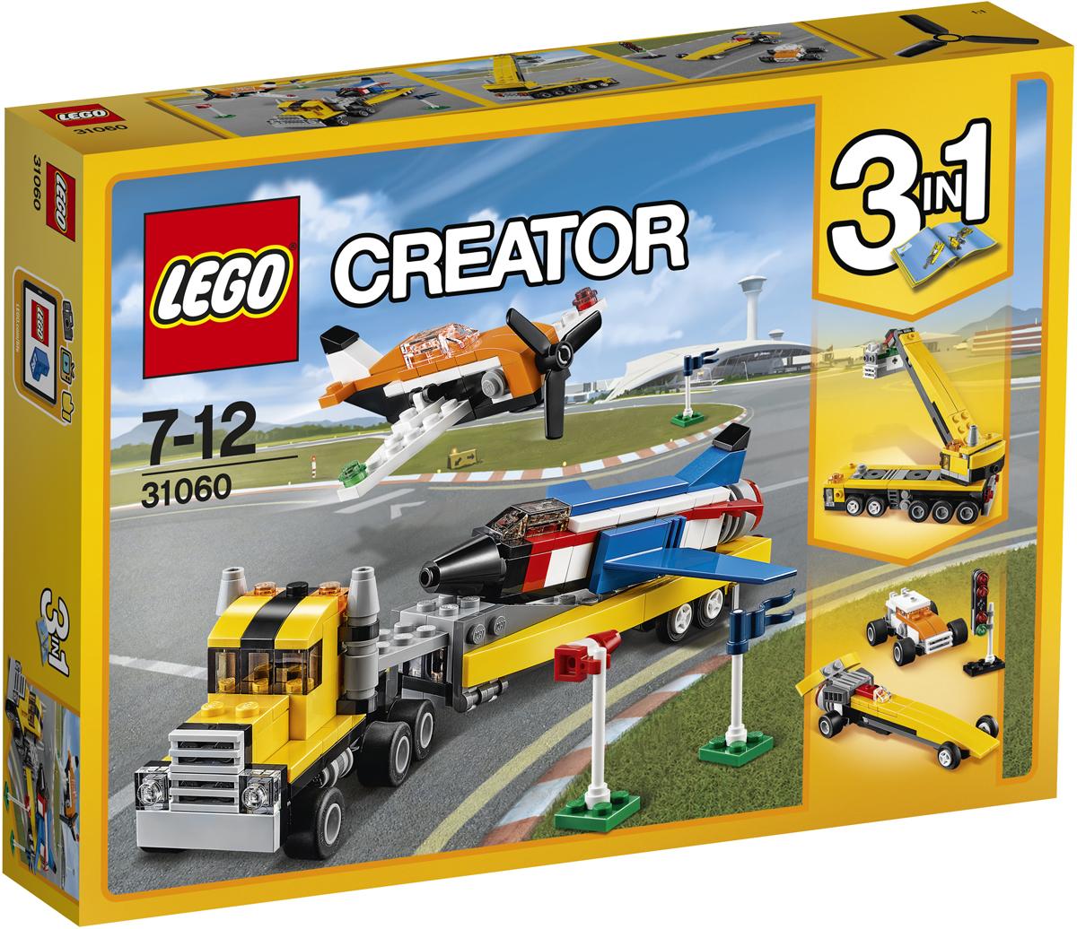 LEGO Creator Конструктор Пилотажная группа 3106031060Хочешь поразить всех удивительным представлением Пилотажной группы? В набор входит транспортировщик с огромным съёмным прицепом, два крутых самолета, два флага и ветроуказатель. Совершай головокружительные трюки на сверхзвуковом самолёте и научись выполнять мёртвую петлю на классическом винтовом самолёте. Удачного участия в авиашоу! Меняй передний, средний и задний модули, чтобы трансформировать одни модели в другие; собери Строительный грузовик или два сверхскоростных Гоночных автомобиля.