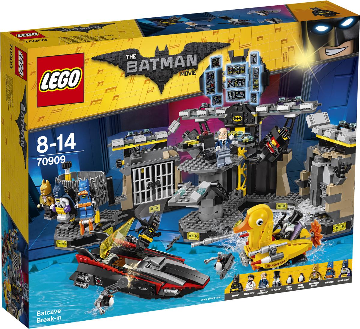 LEGO Batman Movie Конструктор Нападение на Бэтпещеру 7090970909В Бэтпещеру проник автомобиль-утенок Пингвина. Злодей вот-вот раскроет все секреты Бэтмена. Быстро преврати Брюса Уэйна в Бэтмена. Найди всех незваных гостей на экране бэткомпьютера во вращающемся командном центре. Выбери из своего гардероба один из бэткостюмов: костюм Бэтмена-ныряльщика, бэткостюм для суперзащиты или бэткостюм с бэтрюкзаком, чтобы быть полностью готовым к бою. Атакуй врага при помощи ракет с пружинным механизмом и шипометов, но берегись выстрелов из пушек автомобиля-утенка. Помести всех пойманных нарушителей в камеру... и смотри, чтобы они не попытались пробить себе дорогу на свободу при помощи взрывчатки.