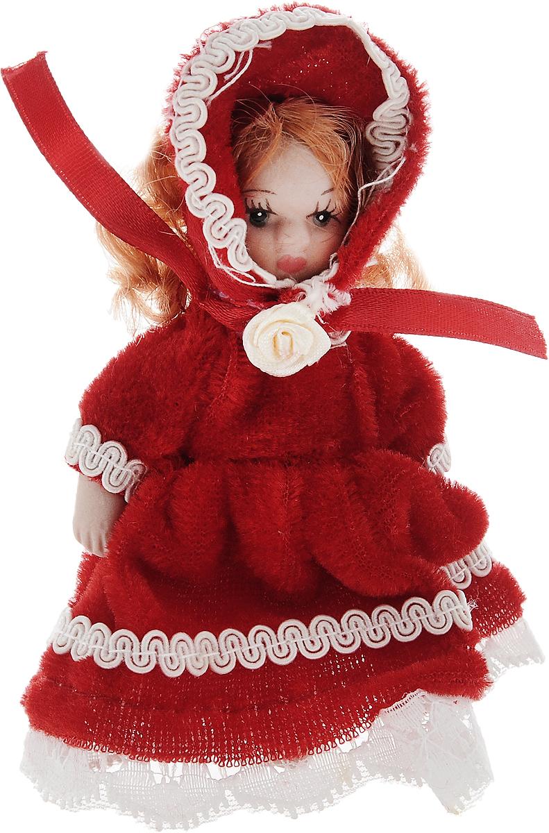 Фигурка декоративная Lovemark Кукла, цвет: красный, белый, высота 10 см24719_красный, белыйФигурка декоративная Lovemark Кукла изготовлена из керамики в виде куклы с кудрявыми рыжими волосами, большими глазами и ресницами. Куколка одета в длинное бархатное платье, декорированное золотистой тесьмой и бантиком, и шапочку. Вы можете поставить фигурку в любое место, где она будет красиво смотреться и радовать глаз. Кроме того, она станет отличным сувениром для друзей и близких. А прикрепив к ней петельку, такую куколку можно подвесить на елку. Размер: 10 х 3,5 см.