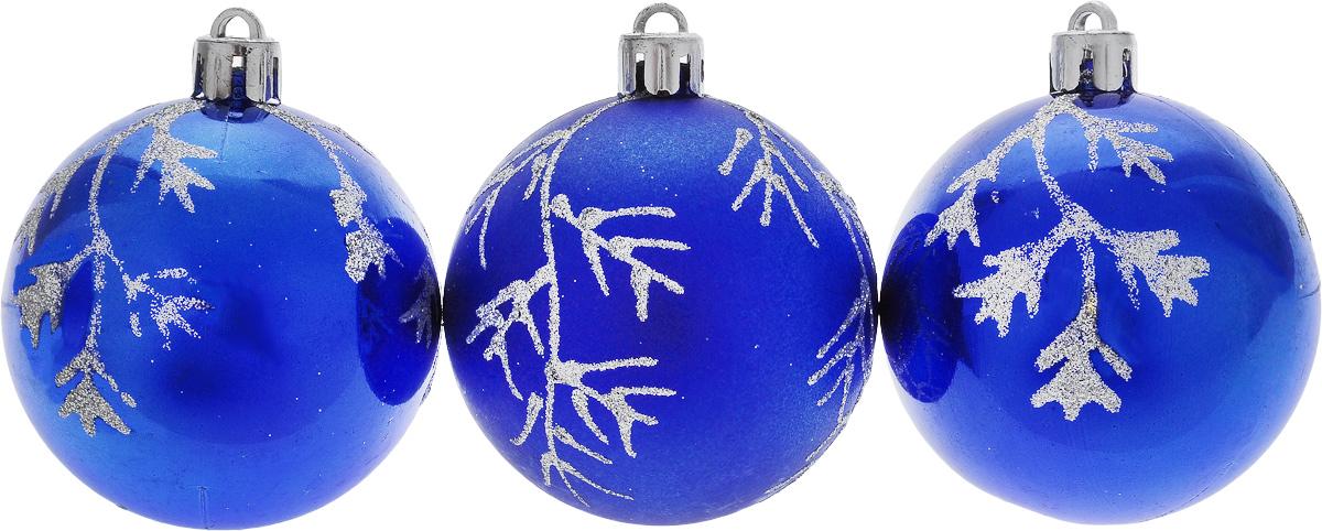 Набор новогодних подвесных украшений Euro House, цвет: синий, диаметр 6 см, 3 штЕХ9269_синийНабор подвесных украшений Euro House изготовлен из пластика, прекрасно подойдет для праздничного декора новогодней ели. Набор состоит из двух матовых и одного матового шаров. Все шары декоративны рисунком с блесками. Для удобного размещения на елке для каждого украшения предусмотрена петелька, выполненная из текстиля. Елочная игрушка - символ Нового года. Она несет в себе волшебство и красоту праздника. Создайте в своем доме атмосферу веселья и радости, украшая новогоднюю елку нарядными игрушками, которые будут из года в год накапливать теплоту воспоминаний. Откройте для себя удивительный мир сказок и грез. Почувствуйте волшебные минуты ожидания праздника, создайте новогоднее настроение вашим дорогим и близким.