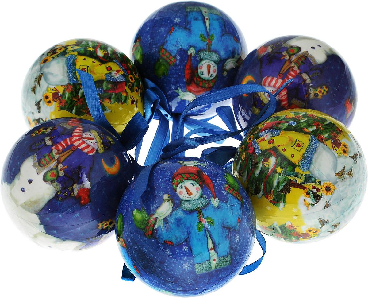 Набор новогодних подвесных украшений Winter Wings Шар. Снеговики, диаметр 7,5 см, 6 шт. N069488N069488_желтый, синийНабор подвесных украшений Winter Wings Шар. Снеговики прекрасно подойдет для праздничного декора новогодней ели. Набор состоит из 6 шаров, выполненных из прессованного картона и украшенных яркими новогодними рисунками. Для удобного размещения на елке для каждого украшения предусмотрен атласный бантик с петелькой. Елочная игрушка - символ Нового года. Она несет в себе волшебство и красоту праздника. Создайте в своем доме атмосферу веселья и радости, украшая новогоднюю елку нарядными игрушками, которые будут из года в год накапливать теплоту воспоминаний.