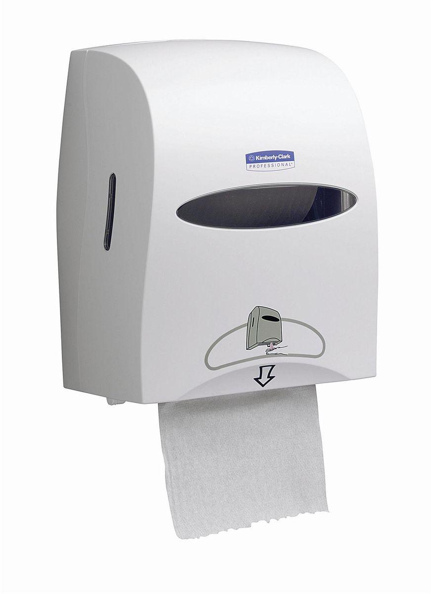 Диспенсер для бумажных полотенец Kimberly-Clark Professional, рулон, сенсорный, цвет: белый. 99609960Электронные диспенсеры Kimberly-Clark для рулонных бумажных полотенец для рук с выдачей по одному листу из линейки диспенсеров для туалетных комнат. Диспенсеры мотивируют сотрудников соблюдать гигиенические нормы, повышают уровень комфорта, демонстрируют заботу о персонале и помогают сократить расходы. Идеальное решение, обеспечивающее подачу по одному листу полотенец для рук, добавляет элемент роскоши в интерьер туалетных комнат, может использоваться в условиях ограниченного пространства в туалетных комнатах офисов и гостиниц с высокими требованиями к интерьеру; обеспечивает экономию средств и отличается простотой обслуживания. Диспенсер имеет окно для контроля за остатком расходного материала, выполнен из ударопрочного пластика и может запираться на ключ. Длина листа может регулироваться: 20, 28 или 35 см; временной интервал задержки выдачи: 0,5, 1 или 2 секунды. Запас работы на 4-х батарейках типа D - 30 рулонов. Формат поставки: элегантный диспенсер; надежное крепление,...
