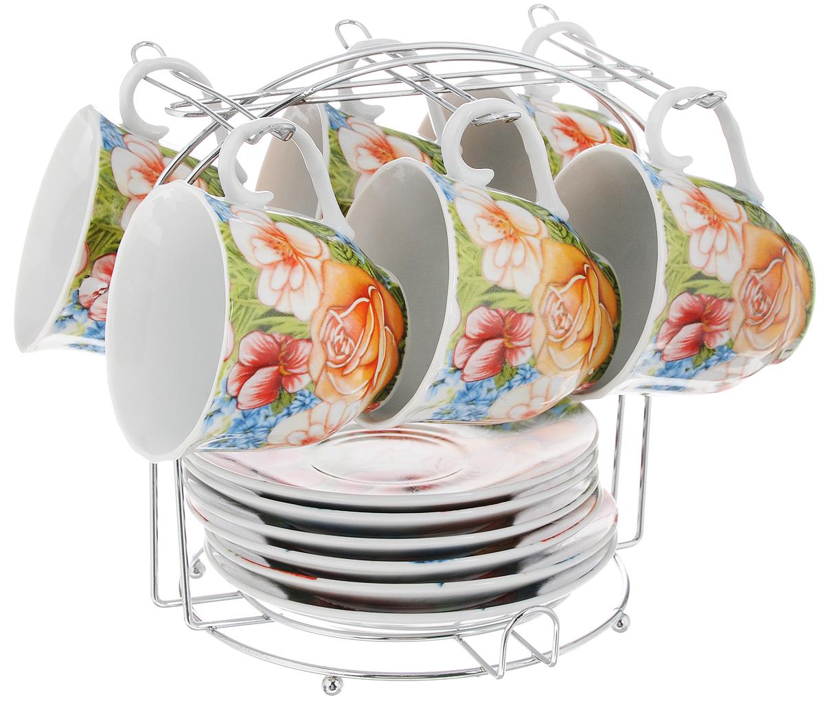 Набор чайный Bella, на подставке, 13 предметов. DL-F6MS-022DL-F6MS-022Набор Bella состоит из шести чашек и шести блюдец, изготовленных из высококачественного фарфора. Чашки оформлены красочным рисунком. Изделия расположены на металлической подставке. Такой набор подходит для подачи чая или кофе. Чайный набор Bella - идеальный и необходимый подарок для вашего дома и для ваших друзей в праздники. Объем чашки: 220 мл. Диаметр чашки (по верхнему краю): 8 см. Высота чашки: 7,5 см. Диаметр блюдца: 14 см. Высота блюдца: 2 см. Размер подставки: 17,5 х 17,5 х 19 см.