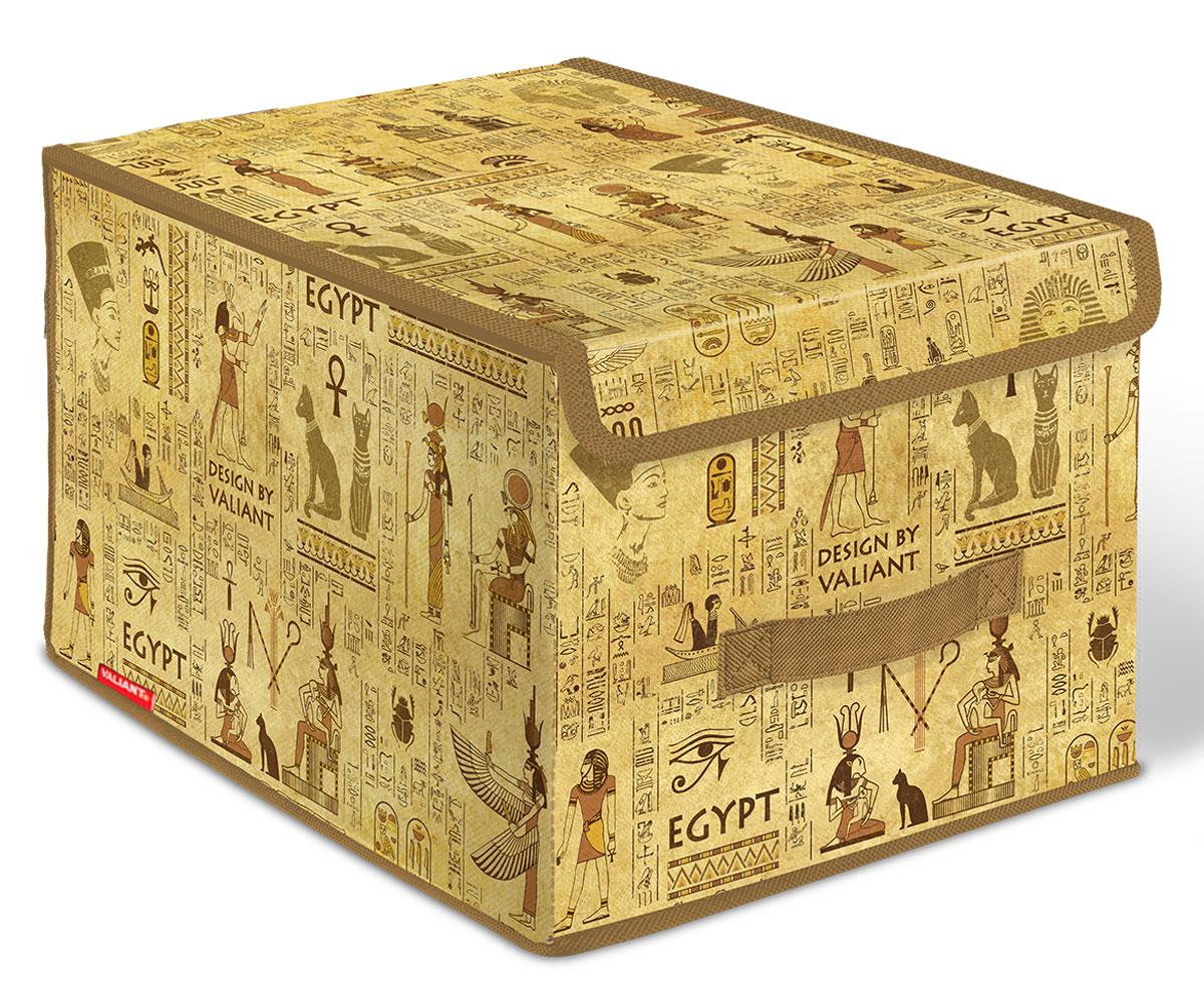 Короб стеллажный Valiant Egypt, с крышкой, 30 х 40 х 25 смEG-BOX-LMПривнести в интерьер гардероба частичку загадочного Египта теперь возможно с новой системой хранения Egypt Collection. Многофункциональность системы хранения Egypt Collection обеспечивает надежное и бережное хранение вещей. В коллекции удобные чехлы для одежды, короба стеллажные, кофры и органайзеры для хранения вещей. Все модели Egypt Collection удобны в использовании и обеспечивают бережное хранение вещей. Система хранения Egypt Collection от VALIANT представлена в фирменной упаковке, выполненной в едином стиле. СТИЛЬНАЯ ИНФОРМАТИВНАЯ УПАКОВКА С ИНТЕРЬЕРНОЙ ВИЗУАЛИЗАЦИЕЙ СИСТЕМЫ ХРАНЕНИЯ Egypt COLLECTION ЭФФЕКТНО ВЫДЕЛЯЕТСЯ СРЕДИ АНАЛОГОВ FACE BACK Оригинальная прозрачная упаковка с крючком позволяет: — организовать коллекционную выкладку товара в магазине — продемонстрировать все достоинства товара покупателю. Покупатель может собрать собственную систему хранения в едином стиле.