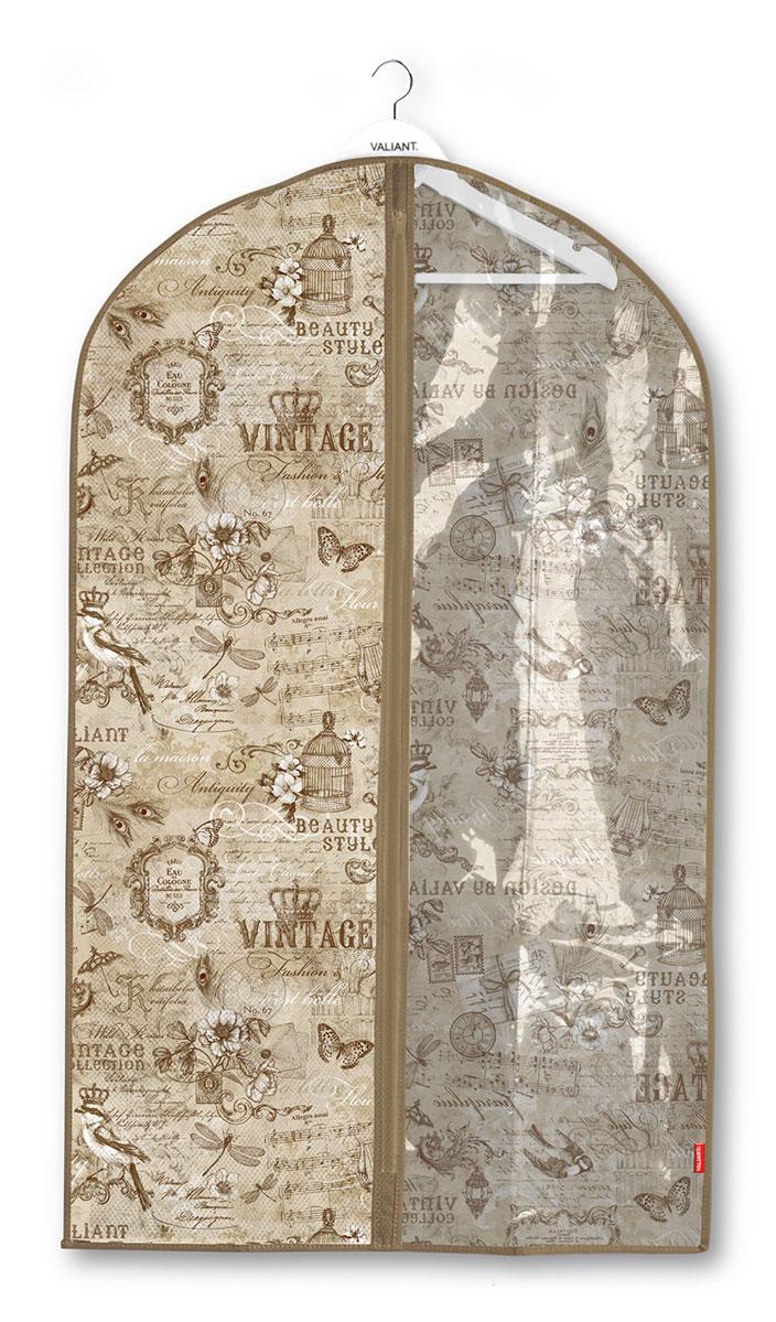 Чехол для одежды Valiant Vintage, с прозрачной вставкой, 60 x 100 смVN-CW-100Чехол для одежды Valiant Vintage изготовлен из высококачественного нетканого материала, который обеспечивает естественную вентиляцию, позволяя воздуху проникать внутрь, но не пропускает пыль. Чехол закрывается на застежку-молнию. Лицевая сторона чехла дополнена прозрачной вставкой из ПВХ, которая позволяет видеть содержимое. Идеально подойдет для хранения одежды и удобной перевозки. Оригинальный дизайн придется по вкусу ценительницам эстетичного хранения.