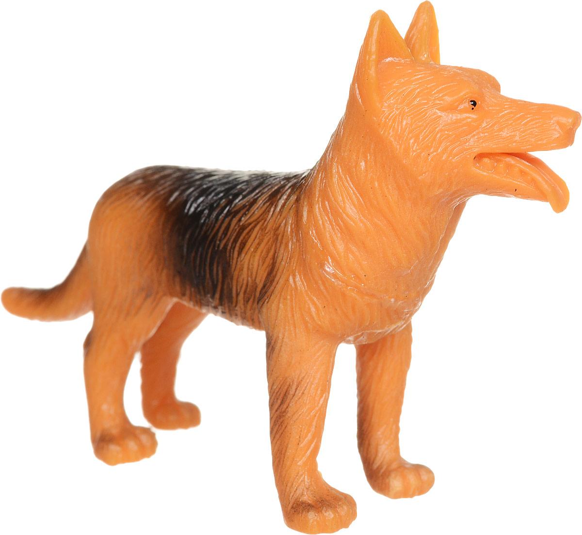 Играем вместе Фигурка СобакаH613Фигурка Играем вместе Собака станет хорошим подарком для ребенка и подойдет для любой игры. Игрушка сделана из безопасного и гнущегося материала, а качественная окраска придает животному натуральный вид. Игрушку можно использовать в сюжетно-ролевых играх и, конечно же, разыгрывать ею своих друзей. Несмотря на то, что животное выполнено очень миниатюрно, это никак не сказалось на его реалистичности, так как при его создании были учтены все внешние особенности и отличительные черты. Такая фигурка существо привлечет внимание маленьких коллекционеров животного мира.