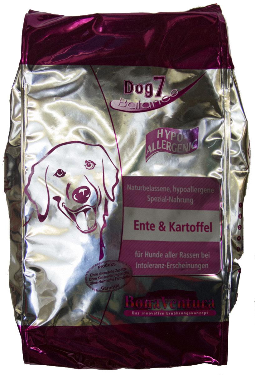 Корм сухой BonaVentura Dog 7 Hipo Allergenic, для собак, гипоаллергенный, с уткой и картофелем, 3 кг205803Натуральный гиппоалергенный корм для собак. Корм произведен в Германии из продуктов, пригодных в пищу человека по специальной технологии схожей с технологией Sous Vide. Благодаря уникальной технологии, схожей с технологий Souse Vide, при изготовлении сохраняются все натуральные витамины и минералы. Это достигается благодаря бережной обработке всех ингредиентов при температуре менее 80 градусов. Такая бережная обработка продуктов не стерилизует продуктовые компоненты. Благодаря этому корма не нуждаются ни в каких дополнительных вкусовых добавках и сохраняют все необходимые полезные вещества. При производстве кормов используются исключительно свежие натуральные продукты: мясо, овощи и зерновые; Приготовлено из 100% свежего мяса, пригодного в пищу человеку; Содержит натуральные витамины, аминокислоты, минеральные вещества и микроэлементы; С экстрактом масла зародышей зерна пшеницы холодного отжима (Bio-Dura); Без химических красителей, усилителей вкуса,...