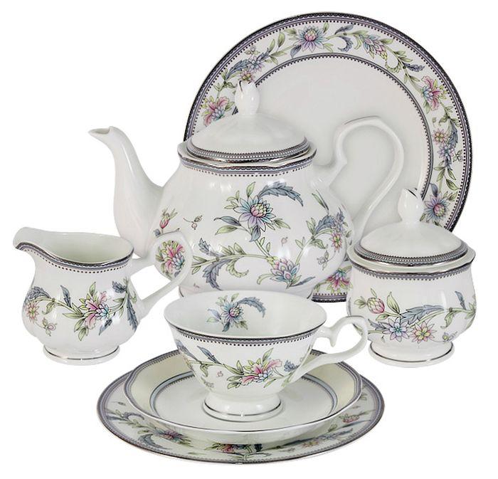 Чайный сервиз Emerald Сад цветов, 40 предметов, 12 персон. E5-14-215/40-ALE5-14-215/40-ALЧайный сервиз Сад цветов 40 предметов на 12 персон (12 десерт тарелок-18 см; 12 чашек 0,2л; 12 блюдец, сливочник 0,2л; чайник 0.9л; сахарница 0,2л; блюдо для торта 31см) Чайная и обеденная столовая посуда торговой марки Emerald произведена из высококачественного костяного фарфора. Благодаря высокому качеству исполнения, разнообразным декорам и оптимальному соотношению цена – качество, посуда Emerald завоевала огромную популярность у покупателей и пользуется неизменно высоким спросом. Изделия Emerald представлены как в виде обеденных и чайных сервизов на 6 и 12 персон. Поверхность изделий покрыта превосходной сверкающей глазурью, не содержащей свинца.