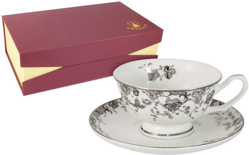 Набор чайный Emerald Эстель, 12 предметов. E5-14-601/12-ALE5-14-601/12-ALНабор 12 предметов Эстель : 6 чашек 0.2л + 6 блюдец Чайная и обеденная столовая посуда торговой марки Emerald произведена из высококачественного костяного фарфора. Благодаря высокому качеству исполнения, разнообразным декорам и оптимальному соотношению цена – качество, посуда Emerald завоевала огромную популярность у покупателей и пользуется неизменно высоким спросом. Изделия Emerald представлены как в виде обеденных и чайных сервизов на 6 и 12 персон. Поверхность изделий покрыта превосходной сверкающей глазурью, не содержащей свинца.