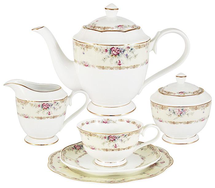 Чайный сервиз Emily Сан Марино, 21 предмет, 6 персон. E9-M1744/21-ALE9-M1744/21-ALЧайный сервиз Сан Марино 21 предмет на 6 персон (6 чашек 0,2л, 6 блюдец, 6 тарелок 20см, чайник 0,9л, сахарница 0,3л, молочник 0,25л) Чайная и обеденная столовая посуда торговой марки Emily произведена из высококачественного костяного фарфора. Благодаря высокому качеству исполнения, разнообразным декорам и оптимальному соотношению цена – качество, посуда Emily завоевала огромную популярность у покупателей и пользуется неизменно высоким спросом. Изделия Emily представлены как в виде обеденных и чайных сервизов на 6 и 12 персон, так и отдельными предметами и небольшими наборами в подарочных упаковках: чашками с блюдцами, кружками, чайниками, салатниками, десертными тарелками, а также чашками в наборе с блюдцами и десертными тарелками. Поверхность изделий покрыта превосходной сверкающей глазурью, не содержащей свинца. Посуду марки Emily, на которой нет золотой или серебряной росписи, можно мыть в посудомоечной машине и использовать в микроволновой печи.