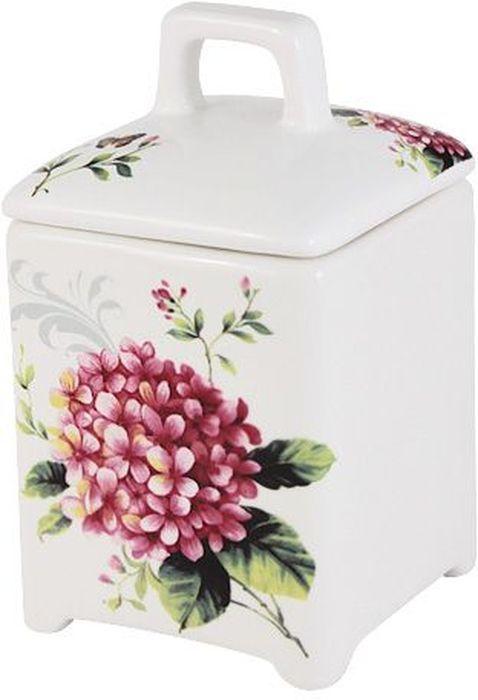 Банка для сыпучих продуктов Imari Цветы и птицы, 13см. IM55060/3-A2210ALIM55060/3-A2210ALБанка для сыпучих продуктов 13см Цветы и птицы IMARI производит широкий ассортимент посуды из высококачественной керамики, основным ингредиентом которой является твердый доломит, поэтому все керамические изделия IMARI - легкие, белоснежные, прочные и устойчивы к высоким температурам. Высокое качество изделий достигается не только благодаря использованию особого сырья и новейших технологий и оборудования при изготовлении посуды, но также благодаря строгому контролю на всех этапах производственного процесса на фабрике в Китае. Нанесение сверкающей глазури, не содержащей свинца, придает изделиям IMARI превосходный блеск и особую прочность. Высокое качество исходного сырья и глазури позволяют мыть изделия IMARI в посудомоечных машинах.