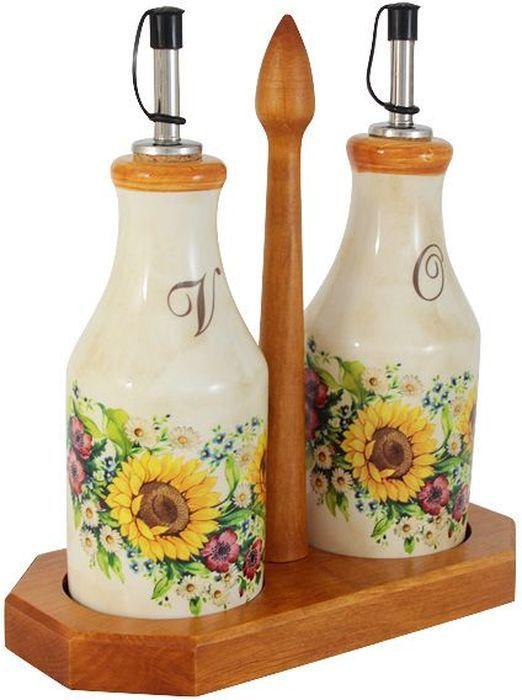 Набор бутылок для масла и уксуса LCS Подсолнухи Италии, на подставке, 0,275 л. LCS872L-S-ALLCS872L-S-ALНабор из 2-х бутылок для масла и уксуса на подставке 0,275л Подсолнухи Италии LCS - молодая, динамично развивающаяся итальянская компания из Флоренции, производящая разнообразную керамическую посуду и изделия для украшения интерьера. В своих дизайнах LCS использует как классические, так и современные тенденции. Высокий стандарт изделий обеспечивается за счет соединения высоко технологичного производства и использования ручной работы профессиональных дизайнеров и художников, работающих на фабрике.