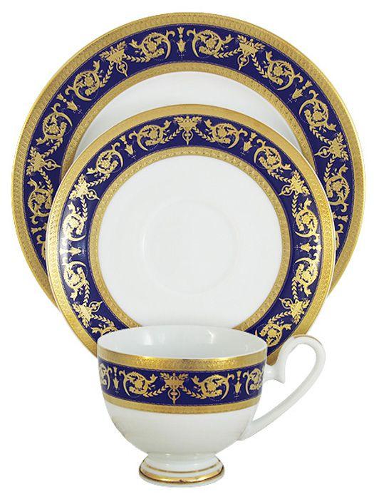Набор чайный Midori Императорский, цвет: кобальт, 3 предмета. MI2-K655A-E8/3-ALMI2-K655A-E8/3-ALНабор из 3-х предметов Императорский (кобальт): чашка 0,2л, блюдце, десертная тарекла 19см Фарфоровая посуда всегда была признаком хорошего стиля, роскоши и достатка. Великолепные фарфоровые сервизы украшали званые ужины в домах аристократов, художественная ценность некоторых изделий из фарфора настолько высока, что они хранятся в музеях, как настоящие произведения искусства. Сегодня традиция сервировать праздничный стол утонченной посудой из фарфора возвращается в наши дома. Она придает торжественности каждому событию, будь то свадьба, юбилей или встреча старых друзей. Предлагаем вашему вниманию столовые и чайные сервизы из высококачественного твердого фарфора торговой марки Midori. Великолепные орнаменты, серебряные и золотые узоры выглядят празднично и роскошно. Для сервизов торговой марки Midori характерна филигранная работа и высокохудожественное исполнение декоров. Фарфор достоин представления во дворцах и президентских апартаментах.