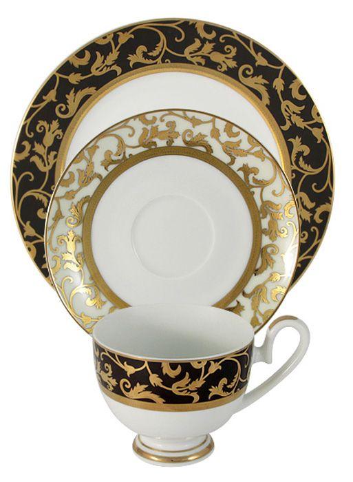 Набор чайный Midori Толедо, 3 предмета. MI2-K6892-Y6/3-ALMI2-K6892-Y6/3-ALНабор из 3-х предметов Толедо: чашка 0,2л, блюдце, десертная тарелка 19см Фарфоровая посуда всегда была признаком хорошего стиля, роскоши и достатка. Великолепные фарфоровые сервизы украшали званые ужины в домах аристократов, художественная ценность некоторых изделий из фарфора настолько высока, что они хранятся в музеях, как настоящие произведения искусства. Сегодня традиция сервировать праздничный стол утонченной посудой из фарфора возвращается в наши дома. Она придает торжественности каждому событию, будь то свадьба, юбилей или встреча старых друзей. Предлагаем вашему вниманию столовые и чайные сервизы из высококачественного твердого фарфора торговой марки Midori. Великолепные орнаменты, серебряные и золотые узоры выглядят празднично и роскошно. Для сервизов торговой марки Midori характерна филигранная работа и высокохудожественное исполнение декоров. Фарфор достоин представления во дворцах и президентских апартаментах.