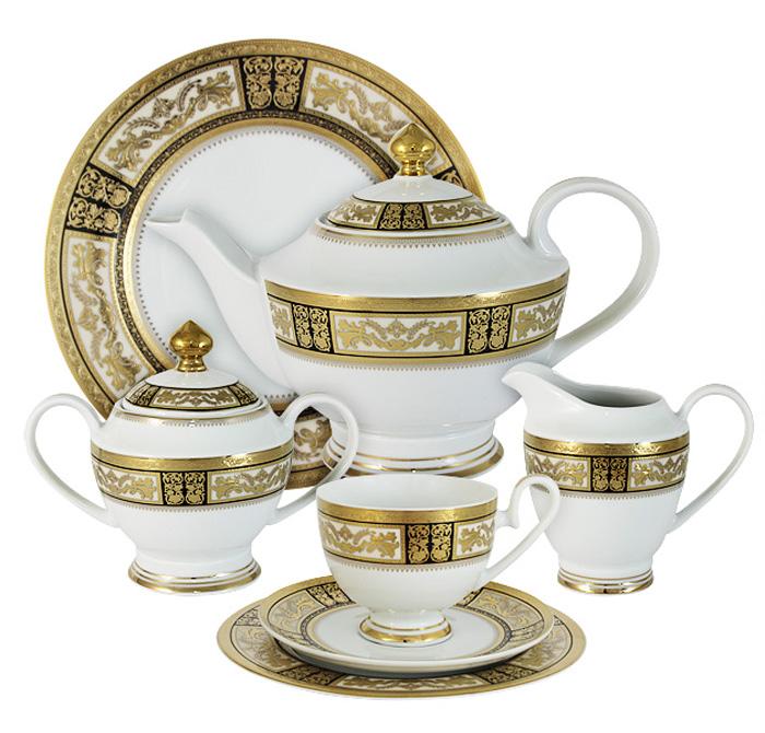 Чайный сервиз Midori Елизавета, 42 предмета, 12 персон. MI2-K7703-Y7/42A-ALMI2-K7703-Y7/42A-ALЧайный сервиз Елизавета 42 предмета на 12 персон (12 чашек 0,2л,12 блюдец,12 тарелок 19см, сливочник 0,3л, сахарница с крышкой 0,45л, блюдо 27см, чайник с крышкой 1,4л) Фарфоровая посуда всегда была признаком хорошего стиля, роскоши и достатка. Великолепные фарфоровые сервизы украшали званые ужины в домах аристократов, художественная ценность некоторых изделий из фарфора настолько высока, что они хранятся в музеях, как настоящие произведения искусства. Сегодня традиция сервировать праздничный стол утонченной посудой из фарфора возвращается в наши дома. Она придает торжественности каждому событию, будь то свадьба, юбилей или встреча старых друзей. Предлагаем вашему вниманию столовые и чайные сервизы из высококачественного твердого фарфора торговой марки Midori. Великолепные орнаменты, серебряные и золотые узоры выглядят празднично и роскошно. Для сервизов торговой марки Midori характерна филигранная работа и высокохудожественное исполнение декоров. Фарфор достоин...