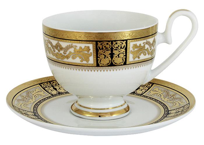 Чашка с блюдцем Midori Елизавета, 0,2 л. MI2-K7703-Y7/CS-ALMI2-K7703-Y7/CS-ALЧашка с блюдцем 0.2л Елизавета Фарфоровая посуда всегда была признаком хорошего стиля, роскоши и достатка. Великолепные фарфоровые сервизы украшали званые ужины в домах аристократов, художественная ценность некоторых изделий из фарфора настолько высока, что они хранятся в музеях, как настоящие произведения искусства. Сегодня традиция сервировать праздничный стол утонченной посудой из фарфора возвращается в наши дома. Она придает торжественности каждому событию, будь то свадьба, юбилей или встреча старых друзей. Предлагаем вашему вниманию столовые и чайные сервизы из высококачественного твердого фарфора торговой марки Midori. Великолепные орнаменты, серебряные и золотые узоры выглядят празднично и роскошно. Для сервизов торговой марки Midori характерна филигранная работа и высокохудожественное исполнение декоров. Фарфор достоин представления во дворцах и президентских апартаментах.