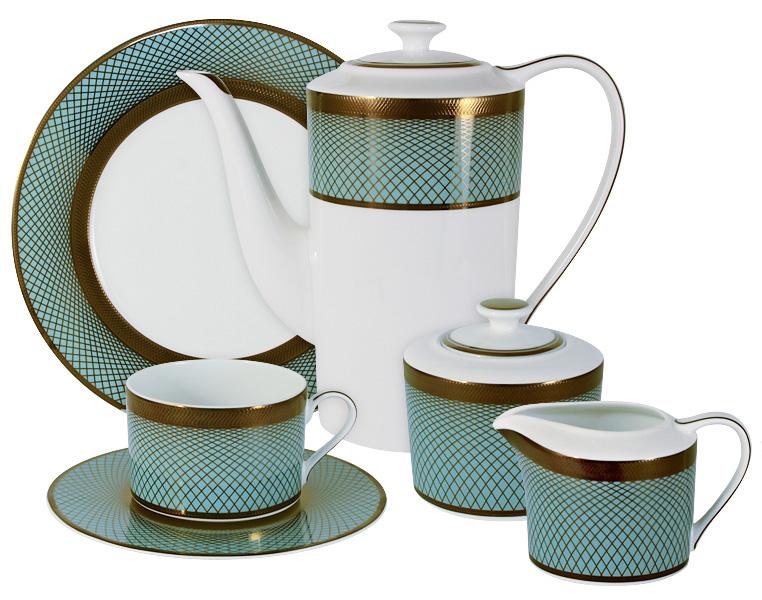 Чайный сервиз Naomi Бирюза, 21 предмет, 6 персон. NG-G150306-21-ALNG-G150306-21-ALЧайный сервиз Бирюза 21 предм.на 6 персон (6 чашек 0.25л, 6 блюдец, 6 тарелок 21.5см, чайник 1.4л, сахарница 0.35л, молочник 0.25л ) Чайная и обеденная посуда торговой марки Naomi из высококачественного костяного фарфора отличается прекрасными дизайнами, исполненными как в современном, так и в классическом стиле по разработкам современных японских художников. Все изделия изготавливаются на современном оборудовании по новейшим технологиям и проходят строгий контроль качества.