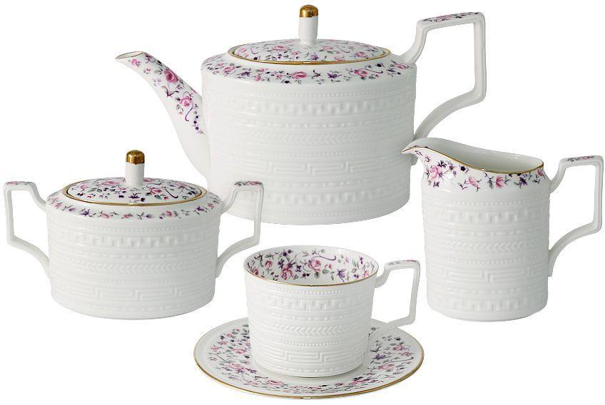 Чайный сервиз Colombo Стиль, 15 предметов, 6 персонC2-TS/15-6402ALЧайный сервиз из 15 предметов на 6 персон Стиль: 6 чашек 0,25л, 6 блюдец, чайник 1.0л, сахарница 0,4л, молочник 0,3л Посуда для чая и сервировки стола торговой марки Colombo изготовлена из костяного фарфора. Высокое качество изделий достигается благодаря использованию новейших технологий при изготовлении посуды, а также строгому контролю на всех этапах производственного процесса на фабрике. Рекомендуется мыть в теплой воде с применением мягких моющих средств.