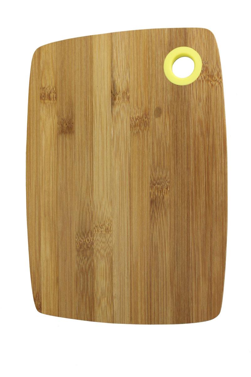 Доска разделочная Vetta, 20 см х 28 см851141Разделочная доска Vetta, изготовленная из бамбука, прекрасно подходит для разделки и измельчения всех видов продуктов. Доска имеет отверстие для подвешивания на крючок.