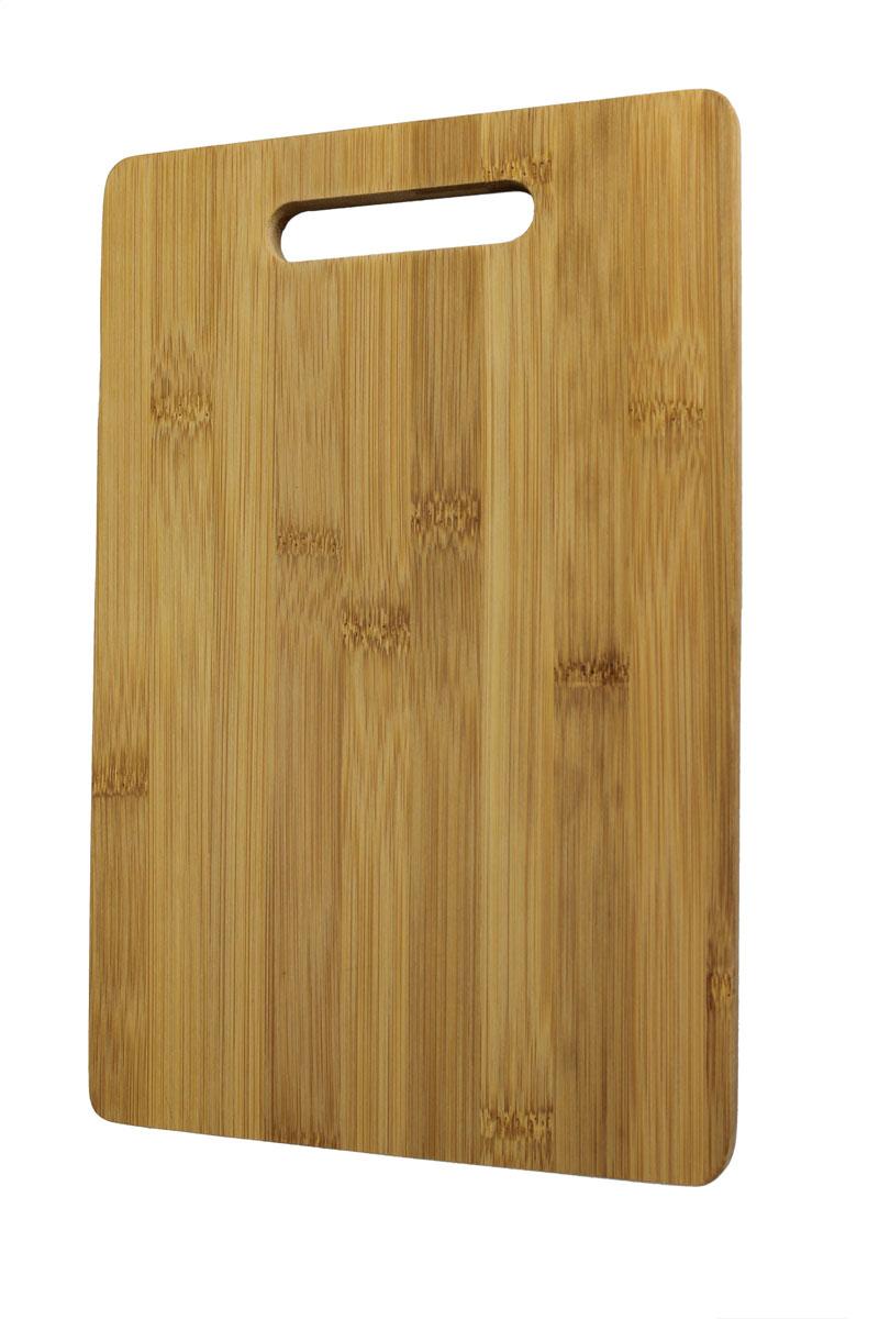 Доска разделочная Vetta, 38 см х 25 см851075Разделочная доска Vetta, изготовленная из гевеи, прекрасно подходит для разделки и измельчения всех видов продуктов.