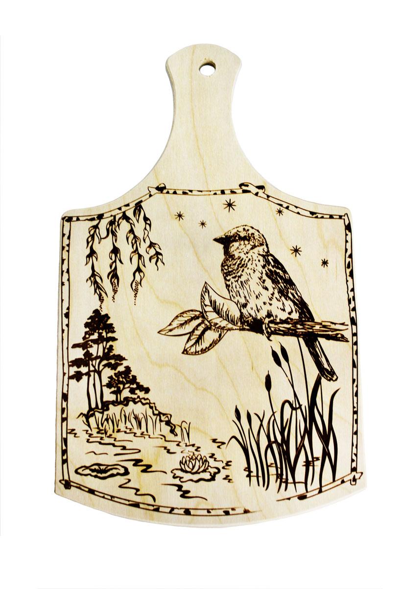 Доска разделочная Птица 34 см х 20,5 см851062Разделочная доска Птица, изготовленная из березы, прекрасно подходит для разделки и измельчения всех видов продуктов. С лицевой стороны изделие декорировано изображением. Имеет отверстие для подвешивания на крючок.