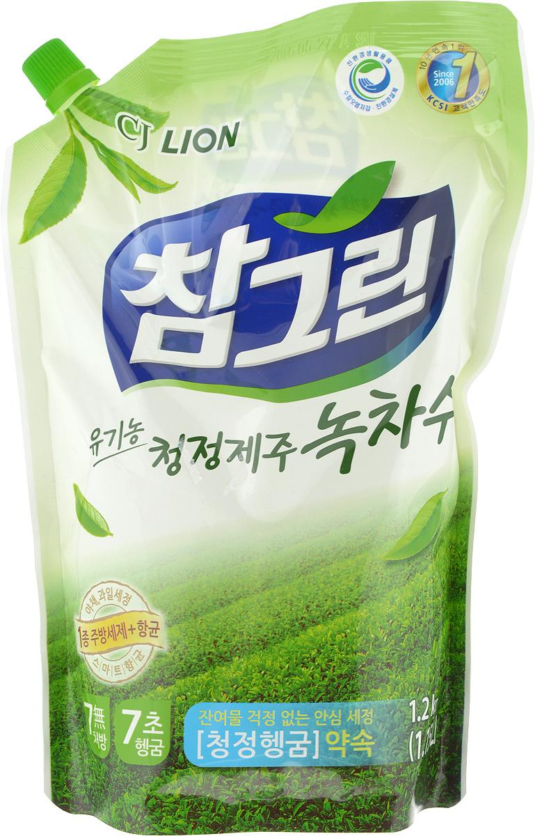 Средство для мытья посуды, овощей и фруктов Cj Lion Зеленый чай, сменная упаковка, 1,16 л654935Средство Cj Lion Зеленый чай предназначено для безопасного мытья посуды, кухонной утвари, а также овощей и фруктов. Удаляет бактерии и микробы, поэтому оно идеально подходит даже для детских бутылочек. Содержит вытяжку из натурального зеленого чая, который оказывает смягчающее действие на кожу и эффективно удаляет жир. Моющие компоненты на растительной основе действуют мягко, а компоненты для защиты кожи на растительной основе увлажняют кожу. Товар сертифицирован.