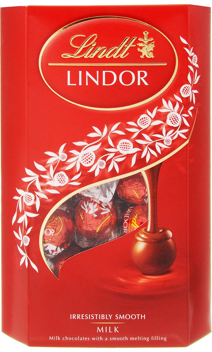 Lindt Lindor конфеты из молочного шоколада, 337 г8003340097008Конфеты из молочного шоколада Lindt Lindor с нежной, тающей начинкой - произведение Мэтров Шоколатье, которые создают шоколад высочайшего качества с 1845 года. Попробовав изысканный шоколад, почувствуйте, как медленно тает его сердце, пробуждая все ваши чувства. Уважаемые клиенты! Обращаем ваше внимание, что полный перечень состава продукта представлен на дополнительном изображении.