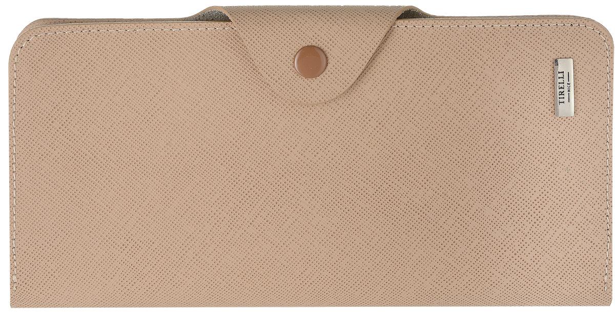 Купюрник Tirelli Виктория, цвет: капучино. 15-252-0515-252-05Купюрник Tirelli Виктория изготовлен из натуральной кожи цвета капучино с рельефной текстурой и закрывается хлястиком на кнопку. Купюрник оформлен фирменным логотипом. Внутри имеется четыре отделения для купюр, шестнадцать кармашков для хранения пластиковых карт, визиток, дисконтных карт, два отделения с сетчатым окошком для фотографий, три потайных кармашка для бумаг, карман на застежке-молнии и открытый кармашек. Такой купюрник станет отличным подарком для человека, ценящего качественные и необычные вещи. Изделие упаковано в подарочную коробку синего цвета с логотипом фирмы Tirelli. Характеристики: Материал: натуральная кожа, металл. Цвет: капучино. Размер портмоне (в сложенном виде): 9,5 см х 18 см х 2,5 см.