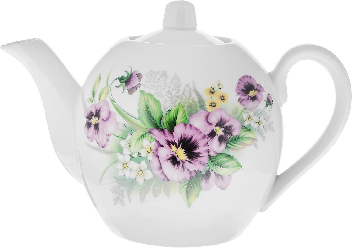 Чайник заварочный Фарфор Вербилок Виола, 800 мл1650750Заварочный чайник Фарфор Вербилок Виола изготовлен из высококачественного фарфора. Изделие прекрасно подходит для заваривания вкусного и ароматного чая, а также травяных настоев. Отверстия в основании носика препятствуют попаданию чаинок в чашку. Оригинальный дизайн сделает чайник настоящим украшением стола. Он удобен в использовании и понравится каждому. Диаметр чайника (по верхнему краю): 6 см. Высота чайника (без учета крышки): 12 см.