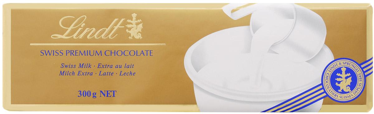 Lindt Gold молочный шоколад, 300 г7610400013857Классический швейцарский молочный шоколад отличается необыкновенным вкусом и нежной бархатной текстурой. Шоколатье Линдт воплощают в своих рецептах традицию, страсть к шоколаду и непревзойденное мастерство с 1845 года. Уважаемые клиенты! Обращаем ваше внимание, что полный перечень состава продукта представлен на дополнительном изображении.