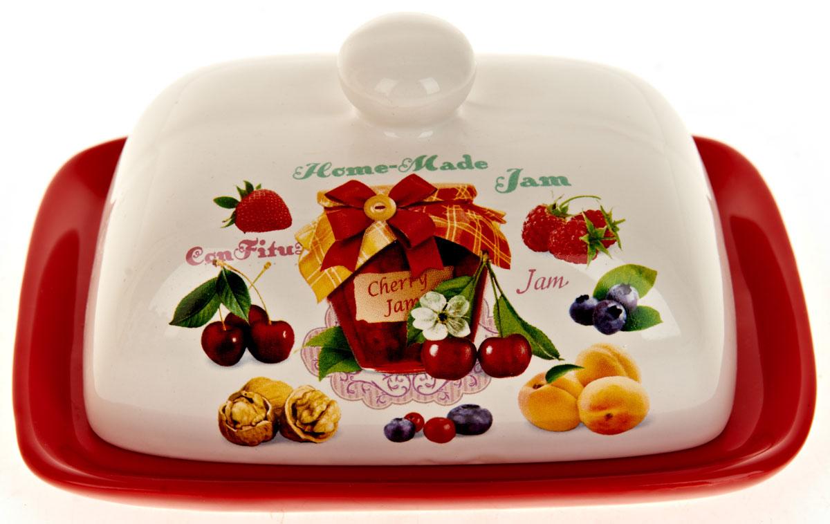 Масленка ENS Group Джем. L2430686L2430686Масленка Джем, изготовленная из керамики, предназначена для красивой сервировки и хранения масла. Она состоит из крышки с удобной ручкой и подноса. Масло в ней долго остается свежим, а при хранении в холодильнике не впитывает посторонние запахи. Гладкая поверхность обеспечивает легкую чистку. Можно мыть в посудомоечной машине.