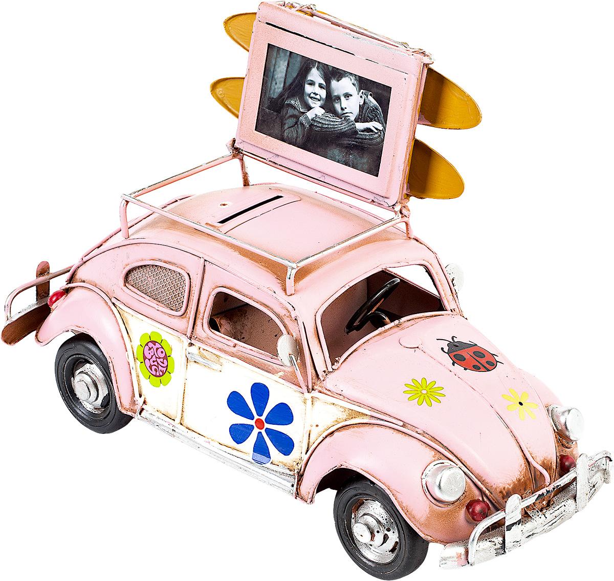 Модель Platinum Автомобиль, с фоторамкой и копилкой. 1404E-43381404E-4338Модель Platinum Автомобиль, выполненная из металла, станет оригинальным украшением интерьера. Вы можете поставить модель ретро- автомобиля в любом месте, где она будет удачно смотреться. Изделие дополнено копилкой и фоторамкой, куда вы можете вставить вашу любимую фотографию. Качество исполнения, точные детали и оригинальный дизайн выделяют эту модель среди ряда подобных. Модель займет достойное место в вашей коллекции, а также приятно удивит получателя в качестве стильного сувенира.
