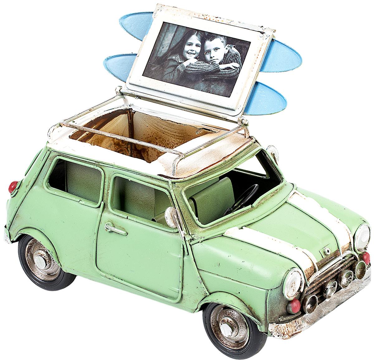 Модель Platinum Автомобиль, с фоторамкой и подставкой для ручек. 1404E-43431404E-4343Модель Platinum Автомобиль, выполненная из металла, станет оригинальным украшением интерьера. Вы можете поставить модель ретро- автомобиля в любом месте, где она будет удачно смотреться. Изделие дополнено подставкой для ручек и фоторамкой, куда вы можете вставить вашу любимую фотографию. Качество исполнения, точные детали и оригинальный дизайн выделяют эту модель среди ряда подобных. Модель займет достойное место в вашей коллекции, а также приятно удивит получателя в качестве стильного сувенира.