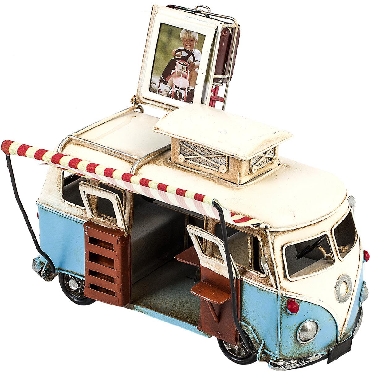 Модель Platinum Автобус, с фоторамкой. 1404E-43521404E-4352Модель Platinum Автобус, выполненная из металла, станет оригинальным украшением вашего интерьера. Вы можете поставить модель автобуса в любом месте, где она будет удачно смотреться. Изделие дополнено фоторамкой, куда вы можете вставить вашу любимую фотографию. Качество исполнения, точные детали и оригинальный дизайн выделяют эту модель среди ряда подобных. Модель займет достойное место в вашей коллекции, а также приятно удивит получателя в качестве стильного сувенира.