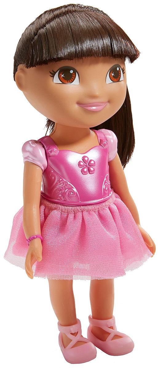 Dora The Explorer Кукла Приключения каждый деньT4751_CJY29Fisher-Price Nickelodeon Даша-путешественница. Коллекция Приключения каждый день. Кукла Даша для идеальных приключений каждый день! Каждая кукла одета в милый тематический наряд! Продаются отдельно. Для детей старше трех лет.