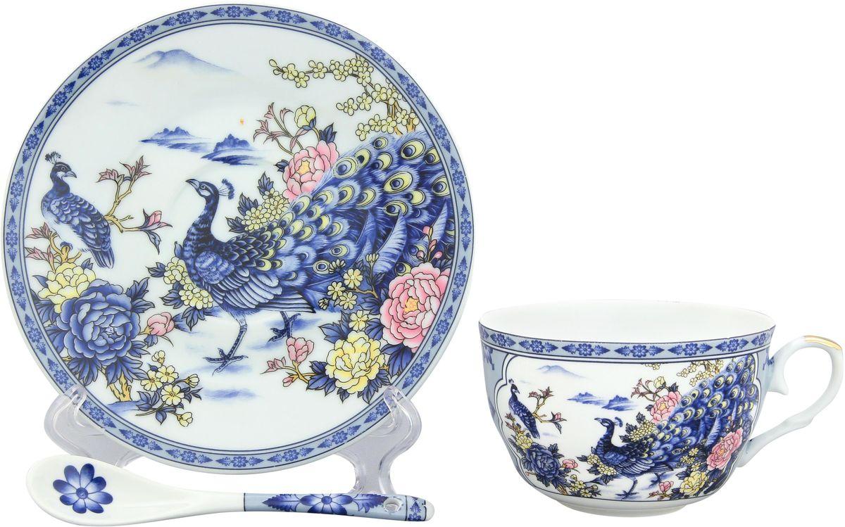 Чайная пара Elan Gallery Павлин на серебре, с ложкой, 250 мл180695Чайный набор с изумительным цветочным декором на 1 персону украсит Ваше чаепитие. В комплекте чашка объемом 250 мл, блюдце, ложка. Изделие имеет подарочную упаковку, поэтому станет желанным подарком для Ваших близких!