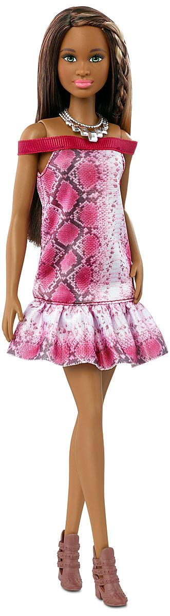 Barbie Кукла Fashionistas Необыкновенный узорFBR37_FGV00Великолепная кукла Barbie Fashionistas порадует вашу малышку и доставит ей много удовольствия от часов, посвященных игре с ней. Барби готова сразить всех наповал своей ослепительной красотой! У Барби темный цвет кожи и коричневые длинные волосы со светлыми прядками. Кукла выглядит невероятно мило в розовом платьице с открытыми плечами и принтом питона. Подходящие по стилю короткие сапожки с ремешками дополняют модный наряд. Завершает стильный образ оригинальное серебристое ожерелье на шее Барби. Порадуйте свою малышку таким великолепным подарком! Каждая кукла Barbie Fashionistas уникальна. Собери их всех!