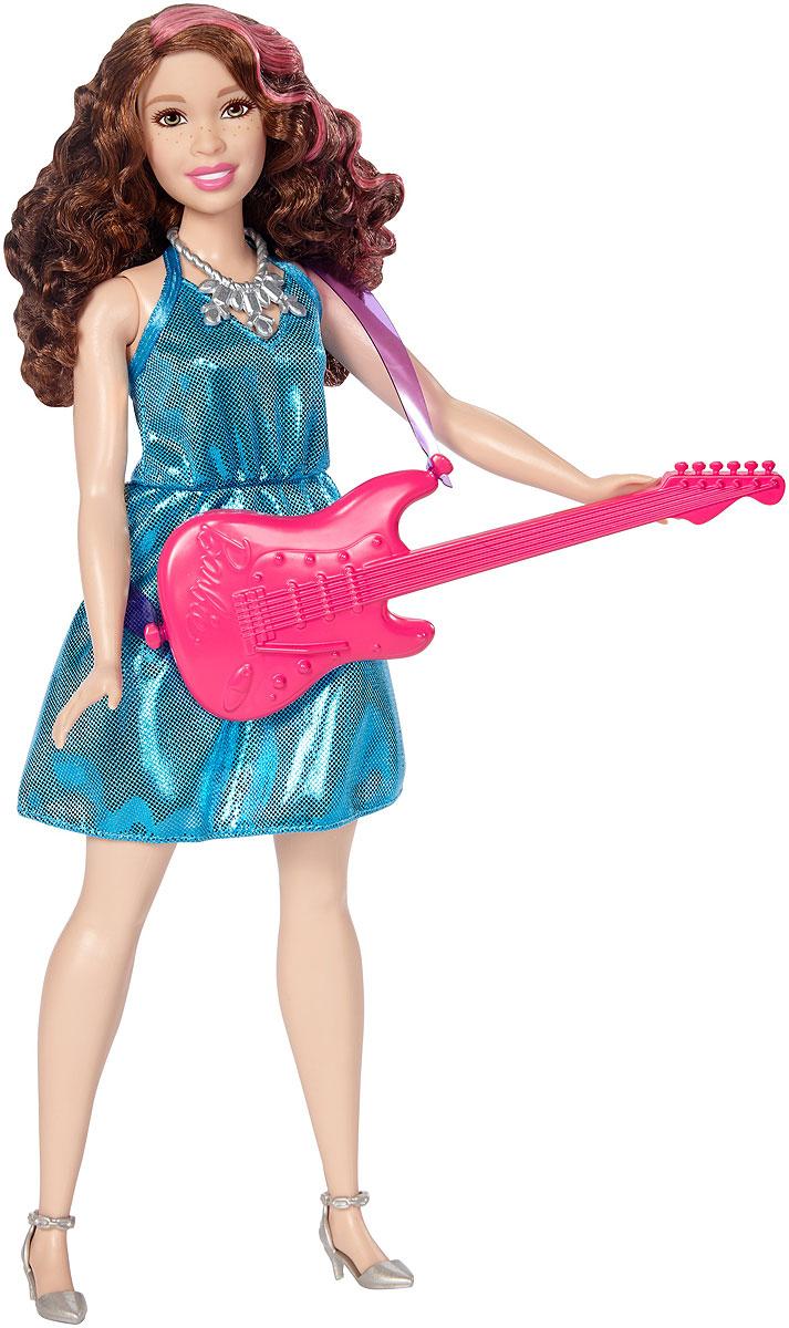 Barbie Кукла Кем быть Поп-звездаDVF50_DVF52Следуйте за своей мечтой вместе с куклами Barbie разных профессий! Для Barbie не существует ничего невозможного! Каждая кукла одета в соответствующий профессии костюм. Рассказать ее историю помогут аксессуары: например, стетоскоп у медсестры или поварской колпак и кекс у кондитера. Хотите быть окулистом, ветеринаром или физиком? Попробовать себя в искусстве и стать поп-певицей? Разные типы телосложения, цвета кожи, глаз и волос позволят любой девочке найти что-то общее с куклами. Соберите их всех, ведь с Barbie вы можете стать кем угодно! В комплекте кукла, одежда и аксессуары, а также тематические предметы.