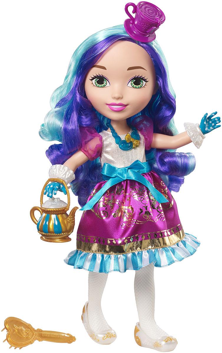 Ever After High Большие куклы принцессы DVJ22_DVJ24DVJ22_DVJ24Еще больше приключений Ever After High с большими куклами Princess Friend Ever After High! Выбери Эппл Уайт или Мэдлин Хэттер. Каждая одета в свой фирменный наряд. На платьях крупные замысловатые сверкающие узоры, пышные подолы и прозрачные рукава. У каждой куклы есть милые туфельки, крупные ожерелья и тематические шляпки. Эппл Уайт держит в руке золотистое зеркальце. А Мэдлин Хэттер носит золотистый чайник вместо сумочки. Возьми кукол с собой куда угодно! В комплекте — большая кукла в модном наряде с аксессуарами, расческой и уникальным предметом.